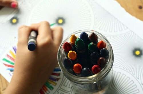 Kleuren met krijtjes
