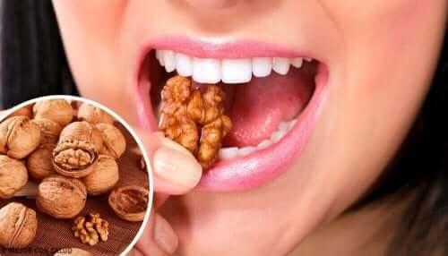 Het eten van noten zou kunnen helpen bij depressie