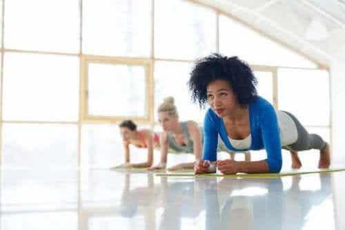 De voordelen van het doen van de plank