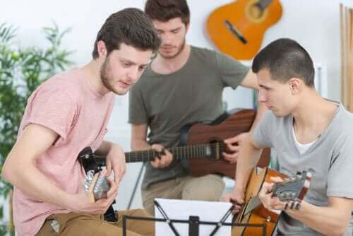 muziek een buitenschoolse activiteit voor jonge tieners