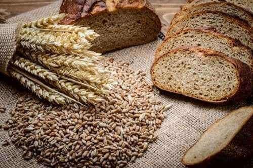 Hoe maak je zelf rogge-speltbrood?