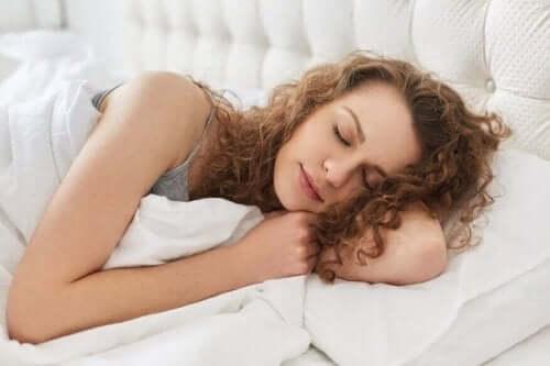 Op je linkerkant slapen