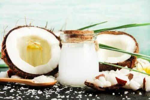 Het gebruik en de voordelen van kokosazijn