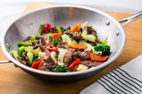 Eten in de wok