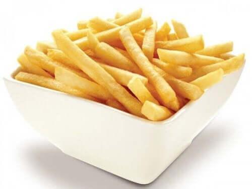 Schaaltje met friet