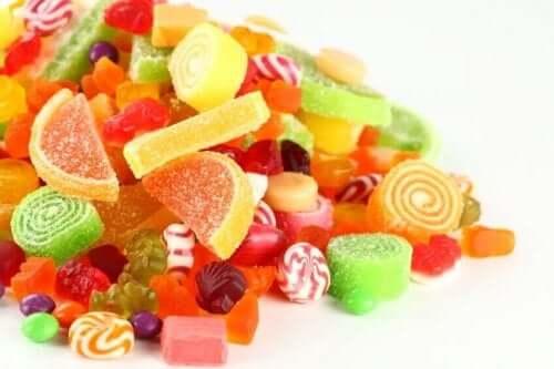 Met suiker bestrooide snoepjes