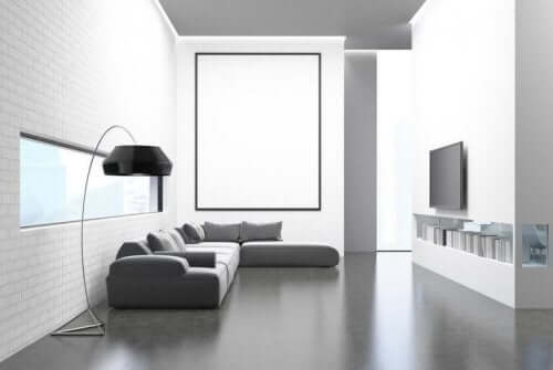 Woonkamer met minimalisme ingericht
