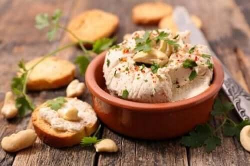Drie heerlijke recepten voor veganistische kaas