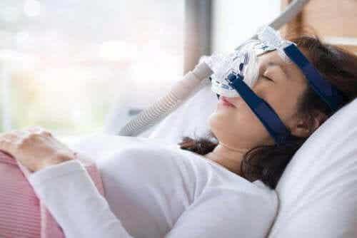 Symptomen en behandelingen voor slaapapneu
