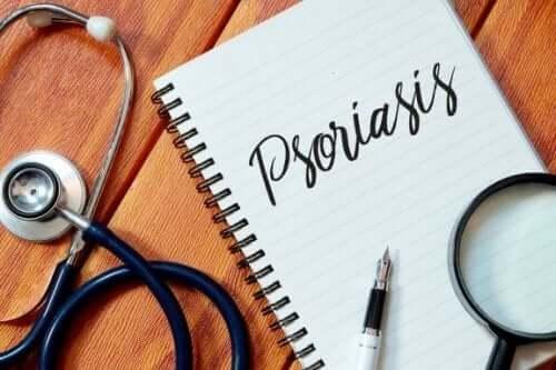 Vijf manieren om psoriasis op afstand te houden