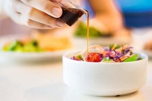 Vijf recepten voor caloriearme saladedressings