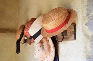 Hoe maak je een rek voor je hoeden?