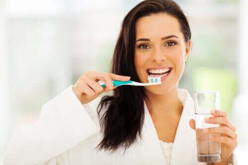 Gaatjes in de tanden voorkomen door goede hygiëne