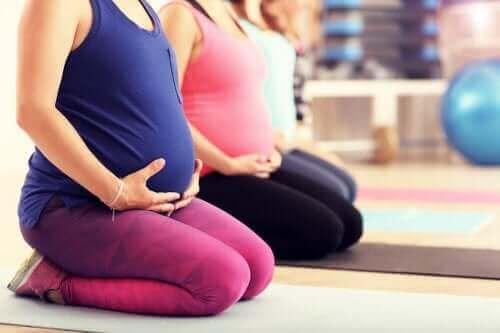 Is pilates tijdens de zwangerschap een goed idee?