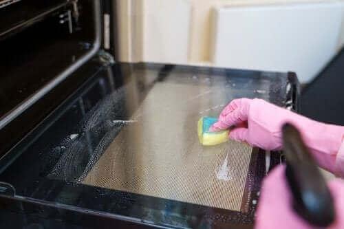 Reinigingsmethoden voor de oven, probeer deze tips