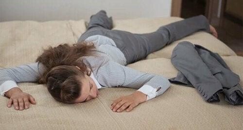5 avondgewoonten om je minder moe te voelen