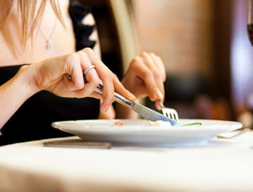 Eet langzaam en zonder te haasten