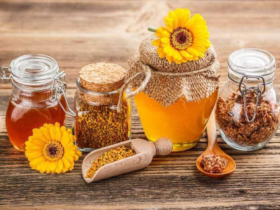 neem honing bij de eerste symptomen van verkoudheid