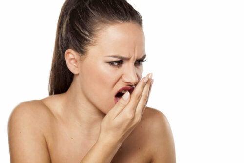 Behandel je slechte adem met kaneel