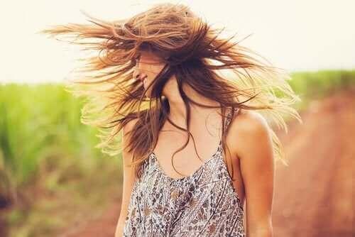 Revitaliseer je haar met klei en kokosolie