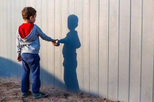 Wat te doen als je kind een denkbeeldig vriendje heeft?