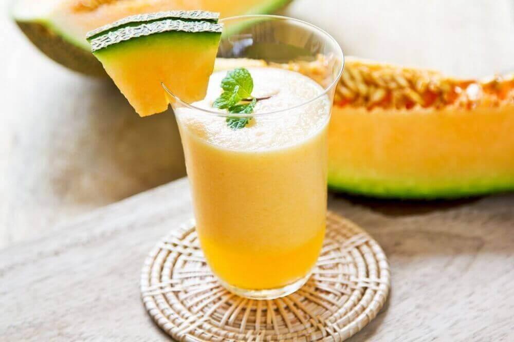Smoothie met meloen en munt
