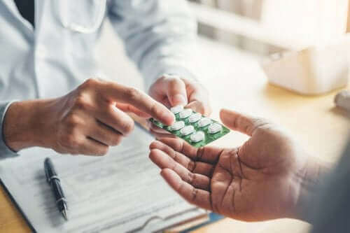 De toepassingen en bijwerkingen van Norfloxacine