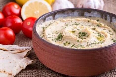De voordelen van hummus met paprika