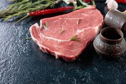 Een rauwe biefstuk