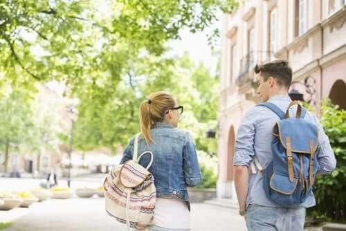 Het verband tussen schoolrugzakken en rugpijn
