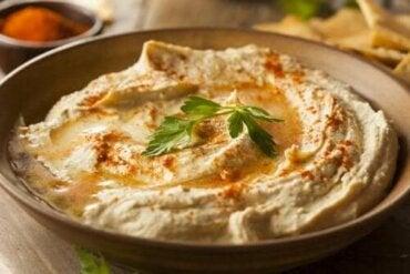 Hummus met paprika: probeer dit eenvoudige recept