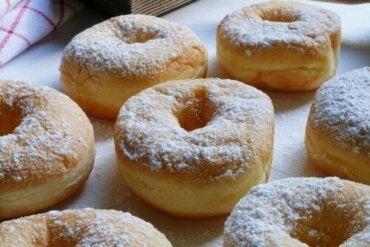 Heerlijke zelfgemaakte donuts met dulce de leche