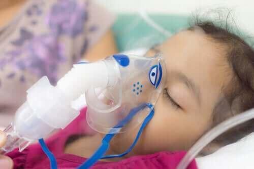Meisje in het ziekenhuis