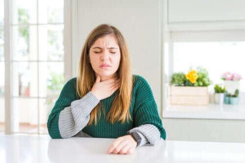 Opties om een pijnlijke keel te verlichten