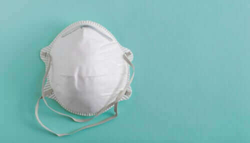 Een wit medisch masker