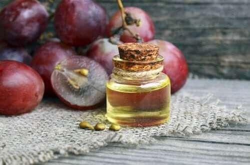 Zelf antirimpelcrème maken met druivenpitolie