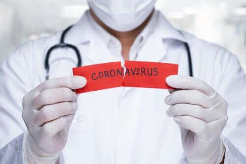 Mythen over het coronavirus die je veel hoort