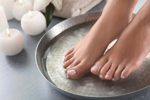 Vier geweldige recepten voor voetenbaden