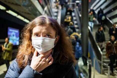 Je gezicht niet aanraken tijdens de pandemie