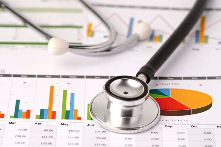 Een stethoscoop en een grafiek