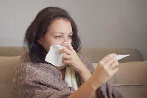Onderscheid tussen het coronavirus en allergieën