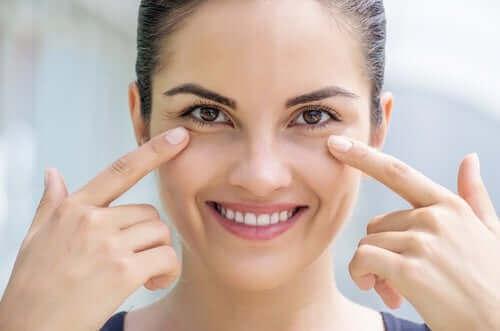 Vrouw met goede huidverzorging