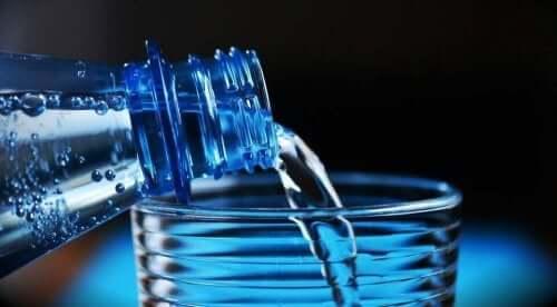 Drink een glas water bij een hittegolf