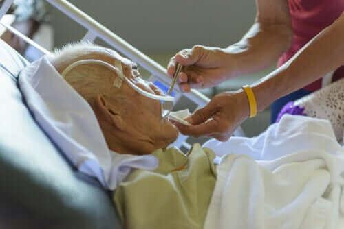 Ouderen zijn kwetsbaarder voor COVID-19