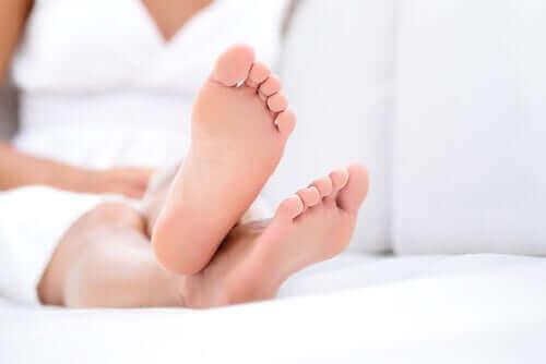 Hoe je tijdens de quarantaine voor je voeten kunt zorgen