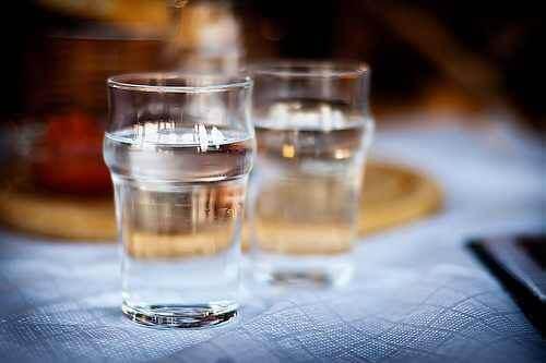 Twee glazen water