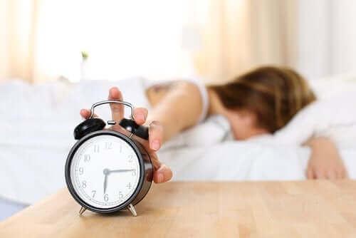 Redenen waarom je moe wakker wordt