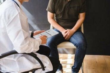 Oorzaken en behandeling van bultjes op de penis