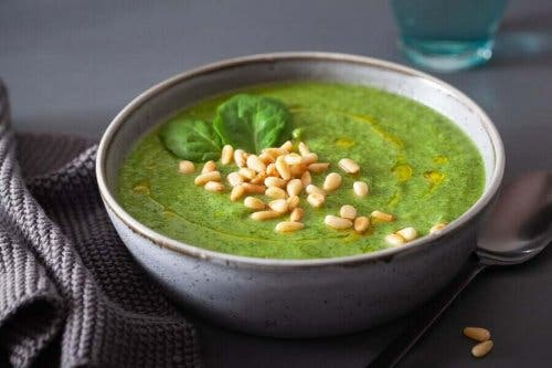 Groentecrèmesoep met spinazie om je afweer te versterken