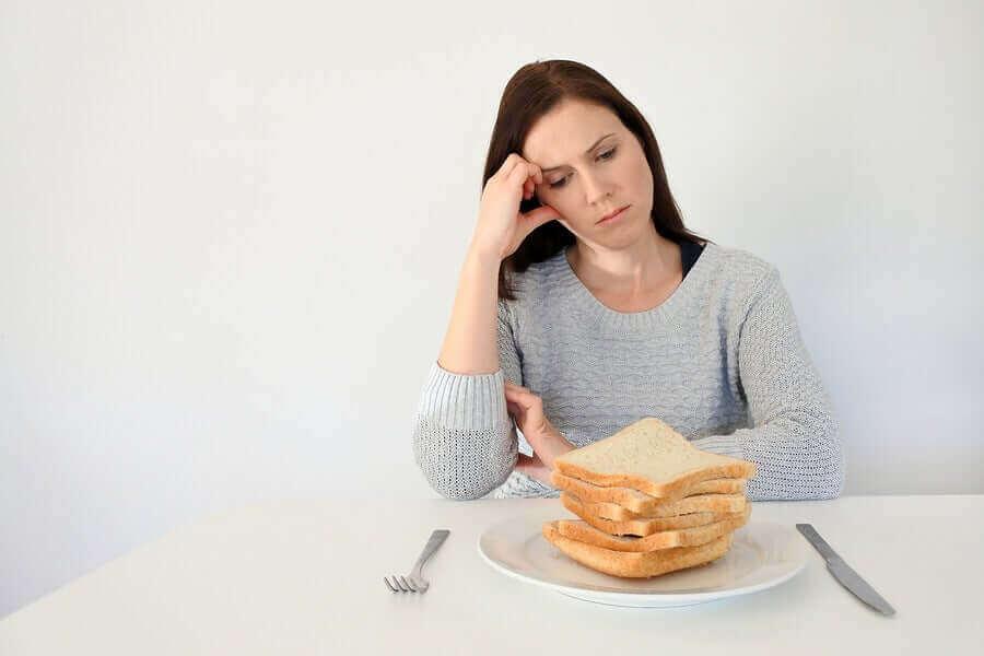 Een vrouw met glutenintolerantie